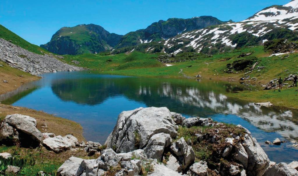 Lacs et montagne