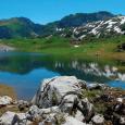 Les magnifiques photos de ces lacs de montagne de Jean-Louis Pitteloud m'ont inspiré ce petit texte… * * * Les yeux, les perles, les larmes… Les lacs de montagne sont […]